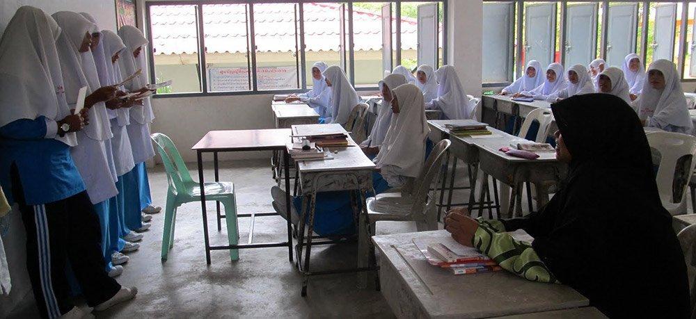 muslim-students-classroom